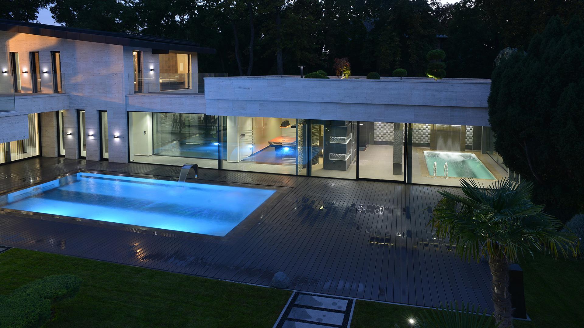 modern-mansion-budapest