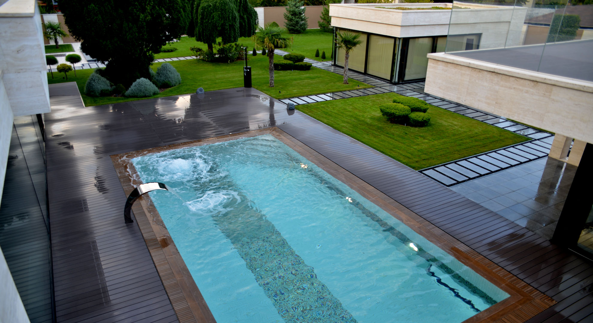luxury-garden-in-christina-villa-budapest